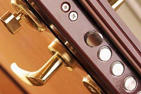 Выбираем металлические двери